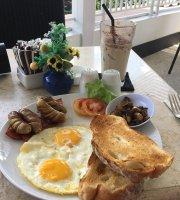 Gloria Jeans Coffees Kartika Plaza