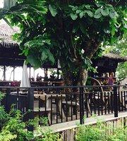 Mountain Breeze Bar & Resturant