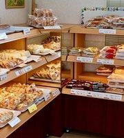 Ryoyu Pan Half Price Bakery