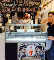 Old School Riomaggiore Gelateria & Snack Shop