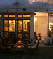 Salon de Kathmandu Cafe & Bistro