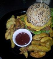 São Lourenço Hamburgueria / Snack-Bar