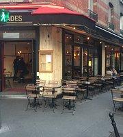 Les Arcades Cafe
