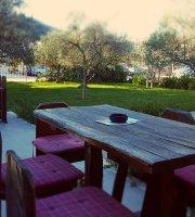 Caffe Bar & Grill Garden Pub