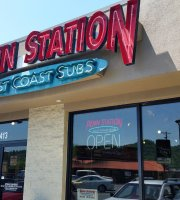 ‪Penn Station East Coast Subs‬