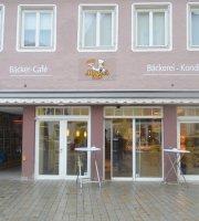Mayer's Beck Café
