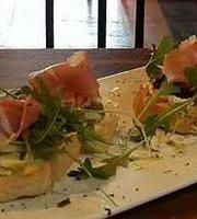 La Barca Italian Restaurant