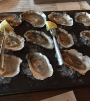 5 Points Public House Oyster Bar