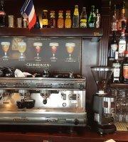 Cafe de La Roseraie
