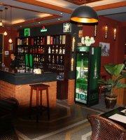 62 Bar & Grill