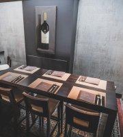 Um Beaumonde Restaurant Tapas & Vin
