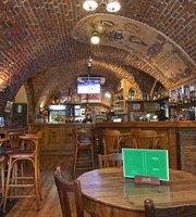 Crack Irish Pub & Restaurant