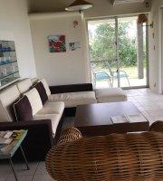 Ke Iki Beach House & Cafe