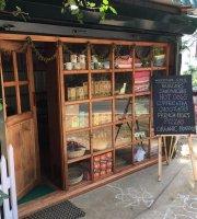 Woodside Farmers Store & Cafe