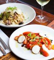 iL MOLO Italian Kitchen & Bar
