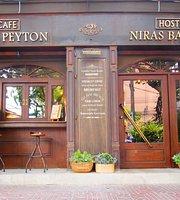 Petit Peyton Café