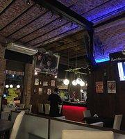 De Tal Palo Tal Astilla Resto Bar