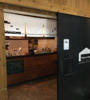 This Is Cafe Shin-kanaya