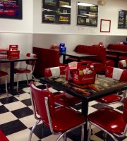 Muscle Car City Diner