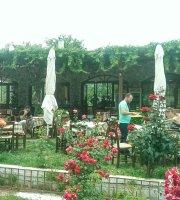 Kamares Cafe Restaurant
