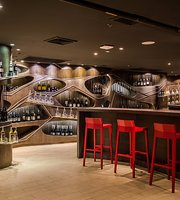 Crave Wine Bar & Restaurant @Aloft Bangkok