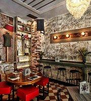 Kuko's The Bar
