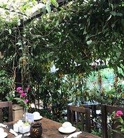 Vivero y Café de la Escalonia (tienda de conveniencia)
