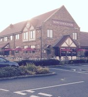 Monks Bridge Farm, Dining & Carvery