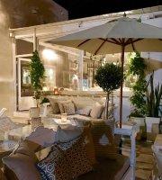 Thea Restaurant Wine Club