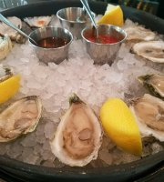 Virgola Oysters & Italian Wine Bar