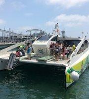 Chuyến tham quan bằng thuyền