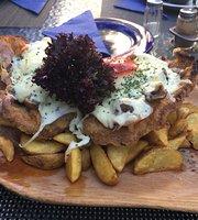 Kék Huszár Restaurant
