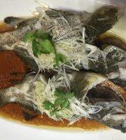 Lucky Rainbow Seafood Restaurant