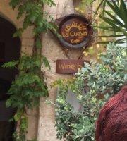 La Cueva Café