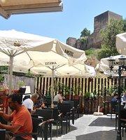 Terraza de AlCasaBar