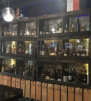 Penny Whisky Bar & Restaurant