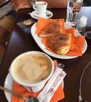 Petrino Cafe