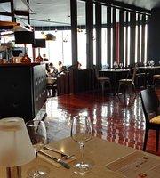 Republic Bar & Grill