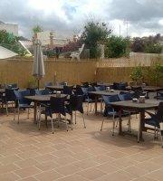 Hache Restaurante Lounge