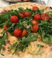 Fabbrica Pizzeria con Cucina