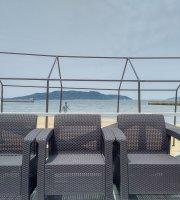 Avex Beach Paradise Cafe × Ppap Cafe
