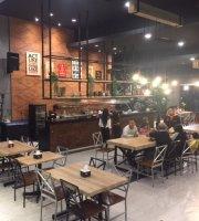 Aplus Cafe & Resto