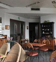 Cafe Meursault