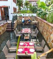 Fresco Restaurant Lounge & Bar