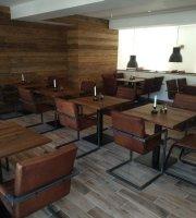 Restaurant & Weinbar Neos