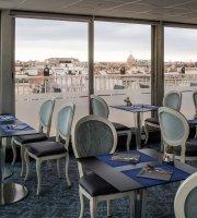 L'EssenCiel Bar and Restaurant