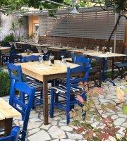 Vine Garden Hotel Roulis Messonghi