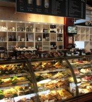 Petras Cafe