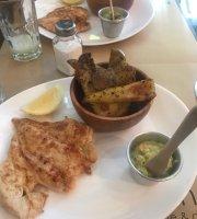 Lenacha Cafeteria y Deli