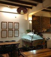 Santa Lucia Pizzeria Gelateria Cafe